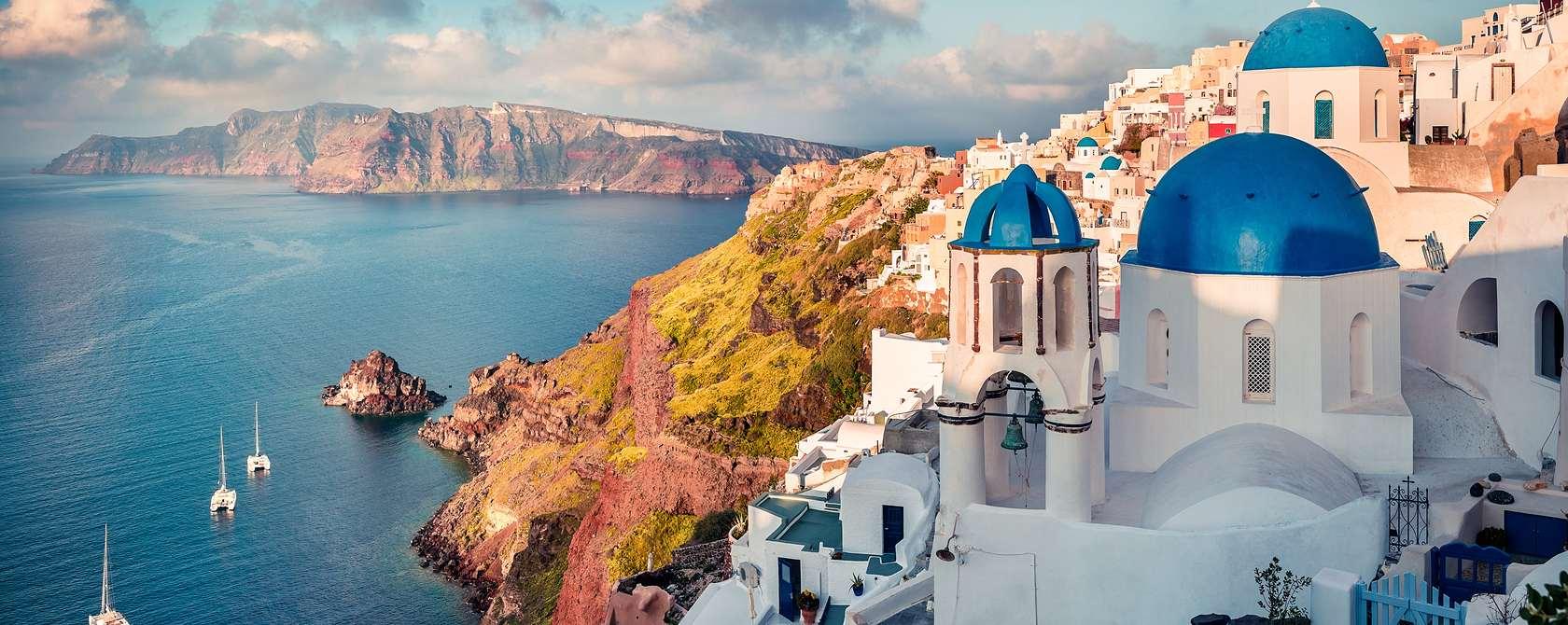 greece-featured-tour-photo-santorini-1680x670