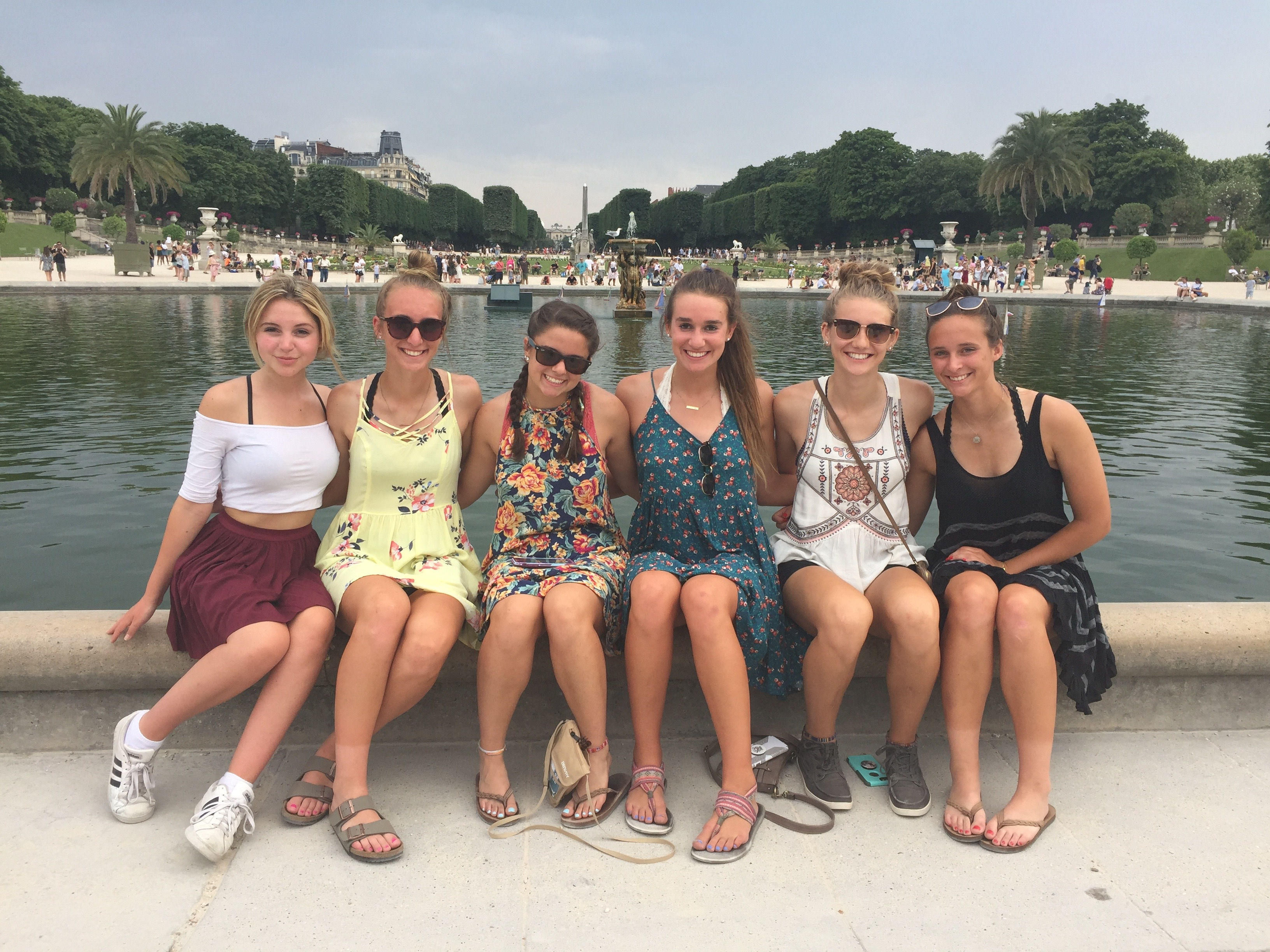 Group of students in the Tuileries Gardens