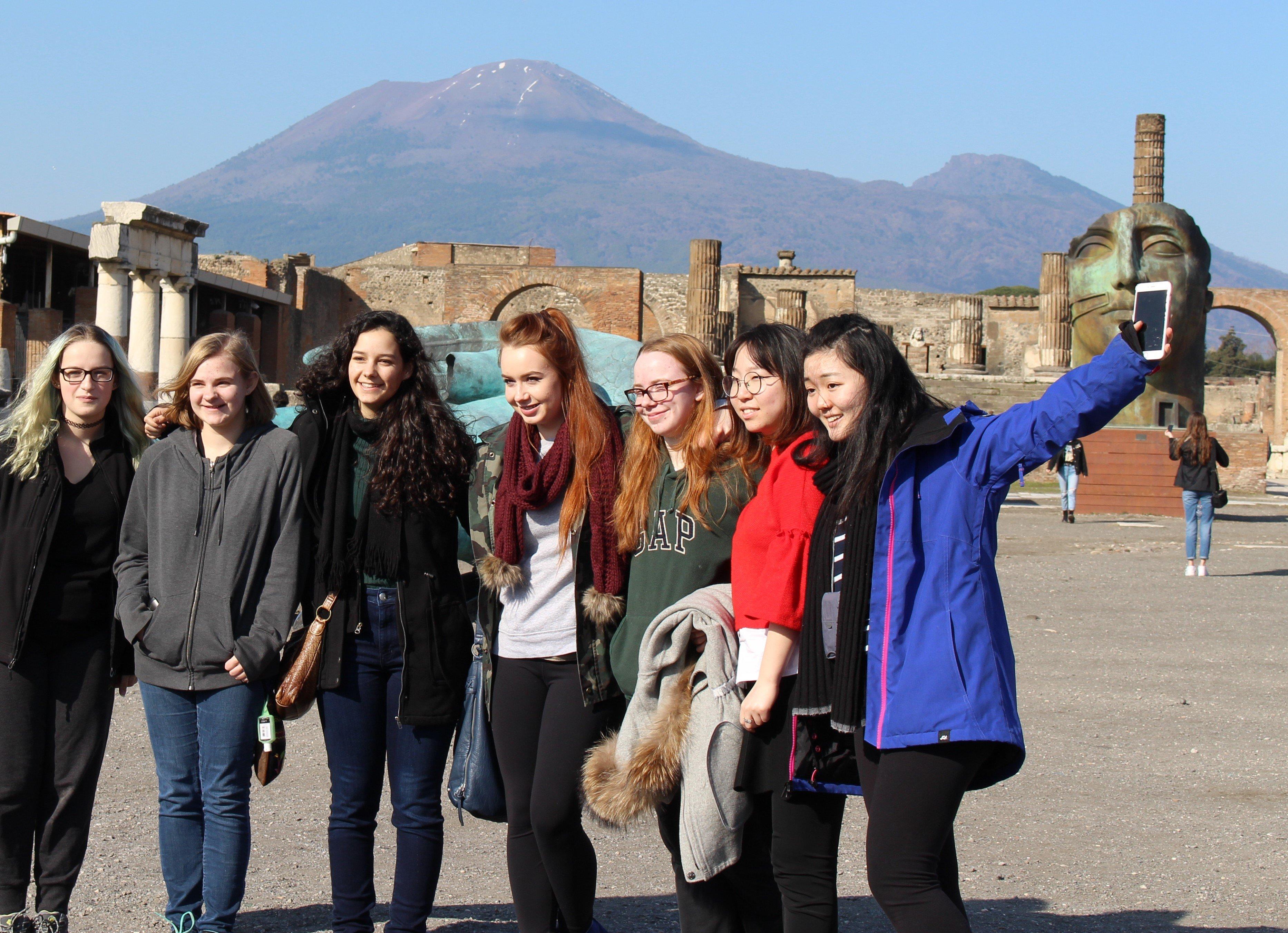 Jeunes filles à Pompéi