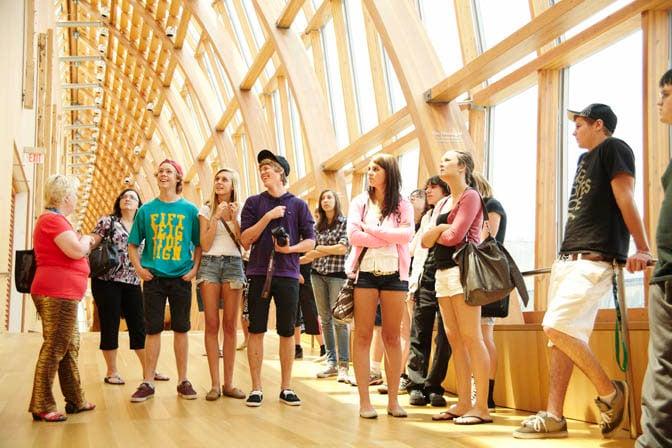 Étudiants à la Art Gallery de Toronto