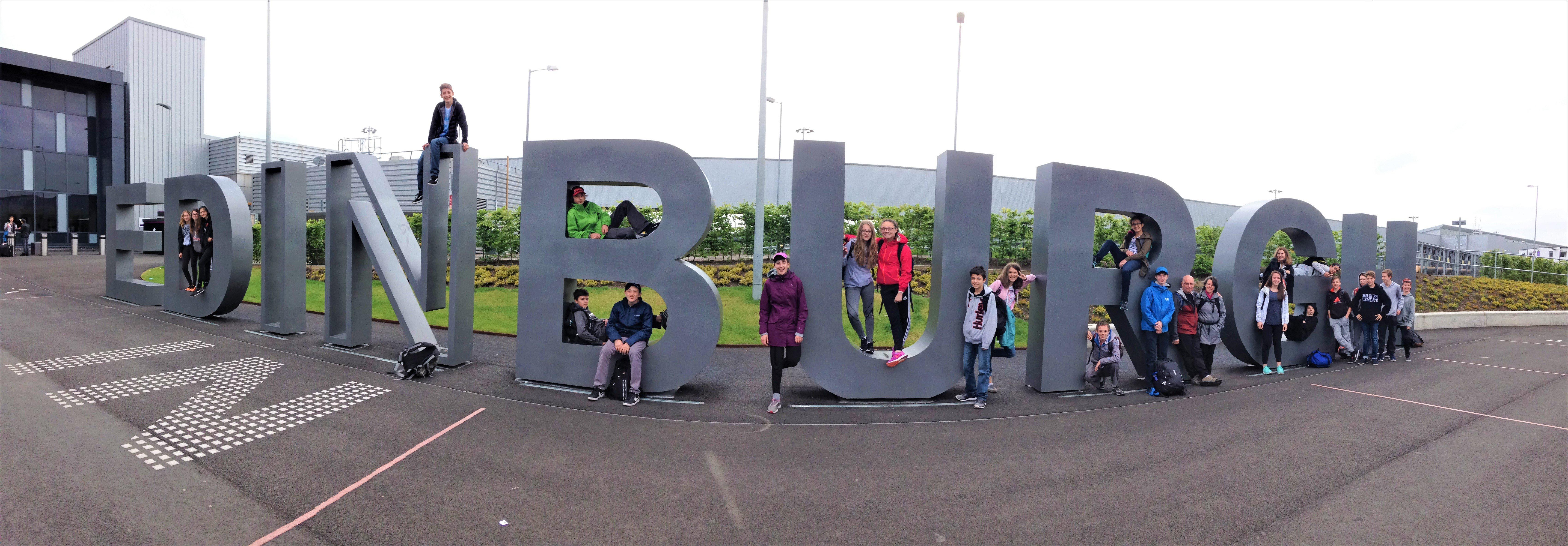 JSED_Scotland_Student group pic in Edinburgh