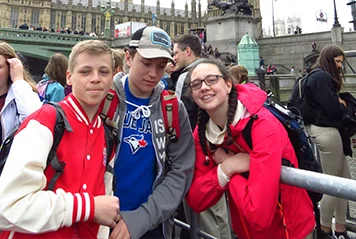 JSED_Student Tour in London_Happy students