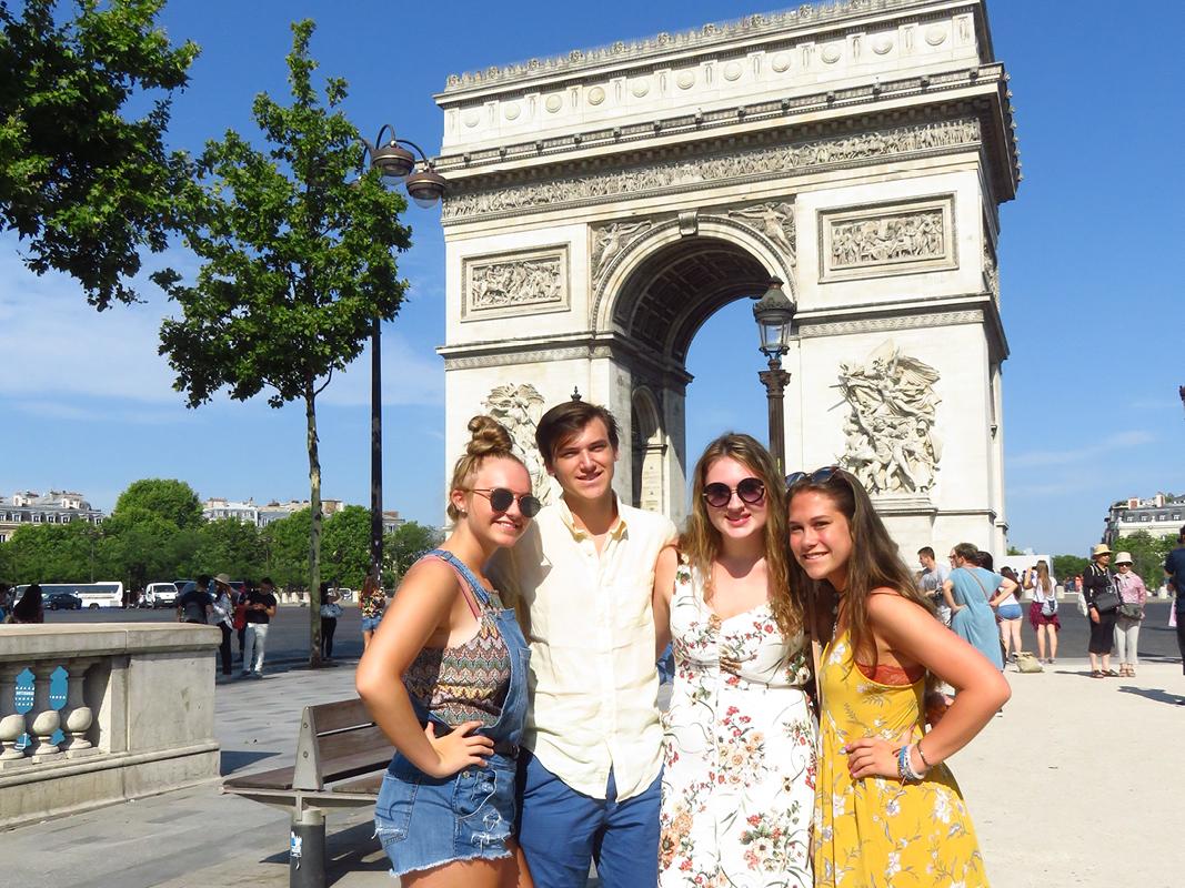 JSED_Europe_France_Paris_Arc de Triomphe_Youth